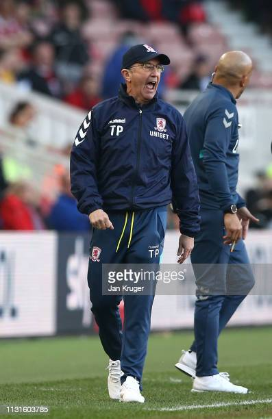 Middlesbrough manager Tony Pulis shouts encouragement during the Sky Bet Championship match between Middlesbrough and Queens Park Rangers at...