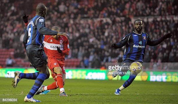 Middlesbrough's Brazilian forward Afonso Alves scores against Sunderland during the English Premier league football match at The Riverside Stadium...