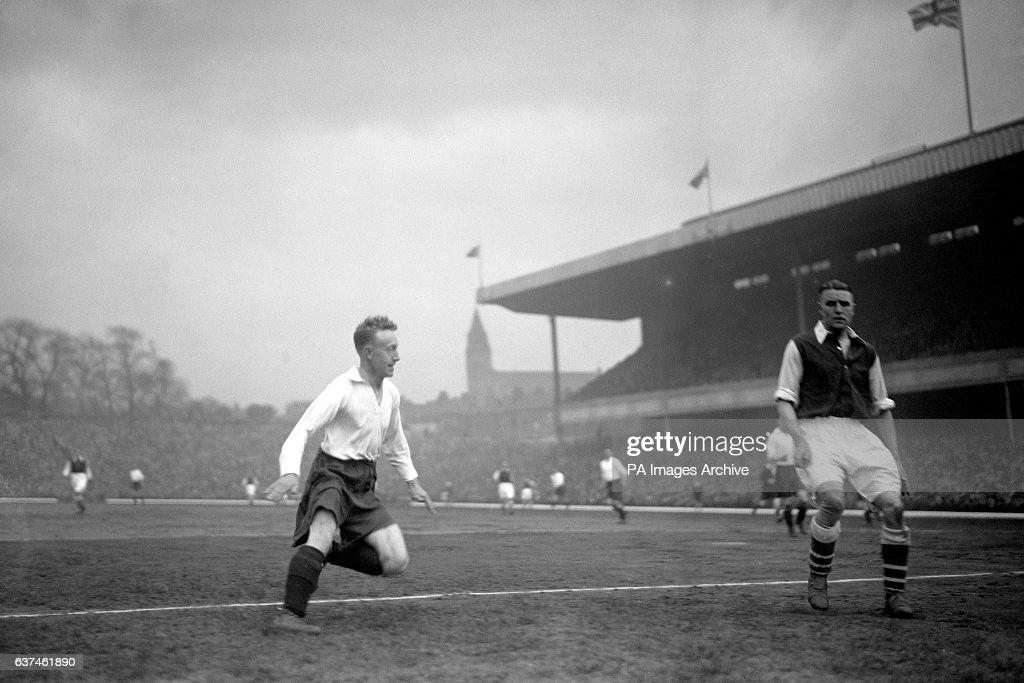Soccer - Football League Division One - Arsenal v Middlesbrough - Highbury : News Photo