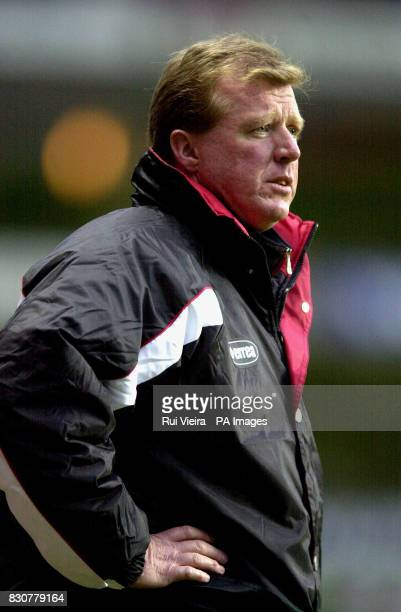Middlesbrough's manager Steve McClaren during the FA Barclaycard Premiership match against Aston Villa at Villa Park Birmingham THIS PICTURE CAN ONLY...