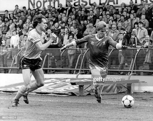 Middlesbrough's Paul Sugrue right gets quickly past a Wolves defender Middlesbrough v Wolverhampton Wanderers League Division Two final score 0 0...