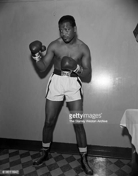 Middleweight champion Sugar Ray Robinson poses for a portrait circa 1955