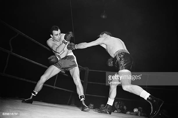 Middleweight match between Germany's Gustav Scholz and France's Charles Humez