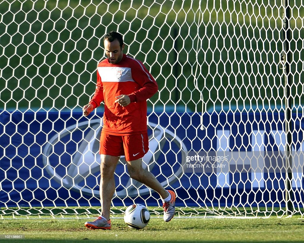 US midfielder Landon Donovan trains at Pilditch Stadium June 16, 2010. The USA will play their 2nd 2010 World Cup match against Slovenia June 18.