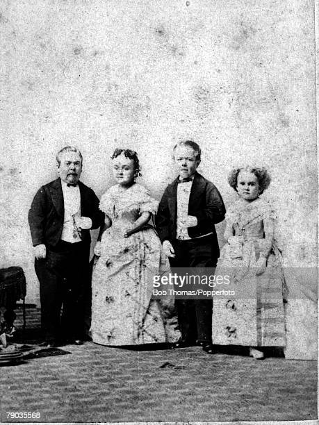 Midgets General Tom Thumb and his wife with Commodore Nutt and Miss Minnie Warren circa 1860