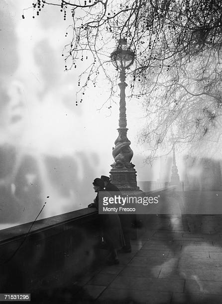 Midmorning smog as seen from the embankment at Blackfriars London 5th December 1952