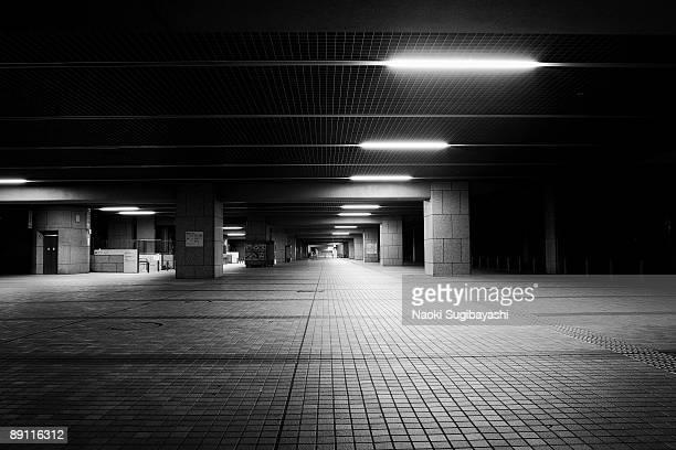 midnight loitering - unterirdisch stock-fotos und bilder
