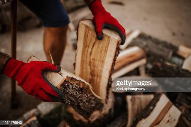 薪の中間部 - 薪 ストックフォトと画像
