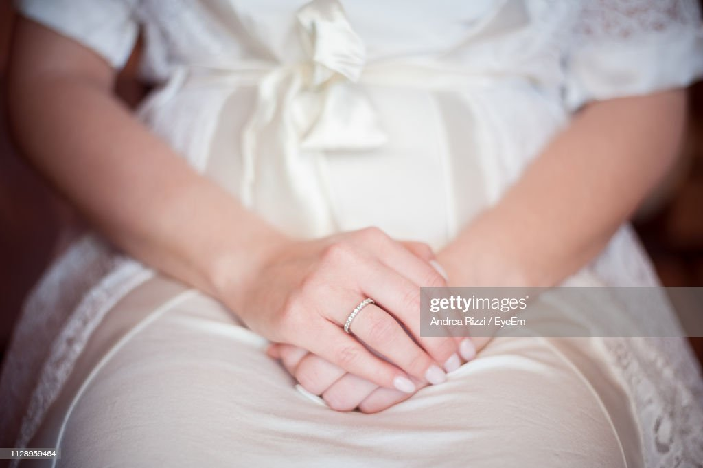 Midsection Of Woman Wearing Dress : Foto stock