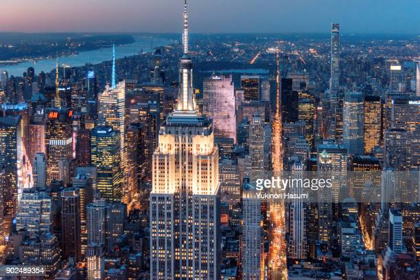 midtown from above at twilight - empire state building stock pictures, royalty-free photos & images