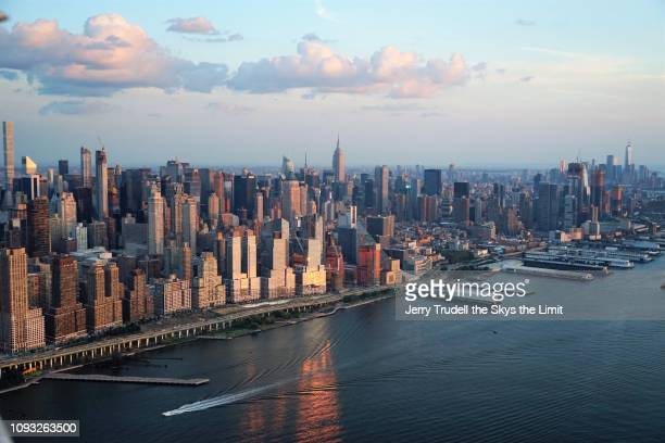 midtown manhattan and west side watrfront - chelsea new york stock pictures, royalty-free photos & images