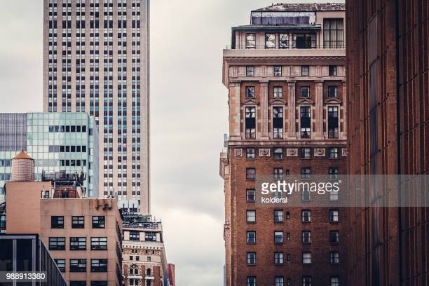 midtown manhattan buildings - broadway manhattan stock pictures, royalty-free photos & images