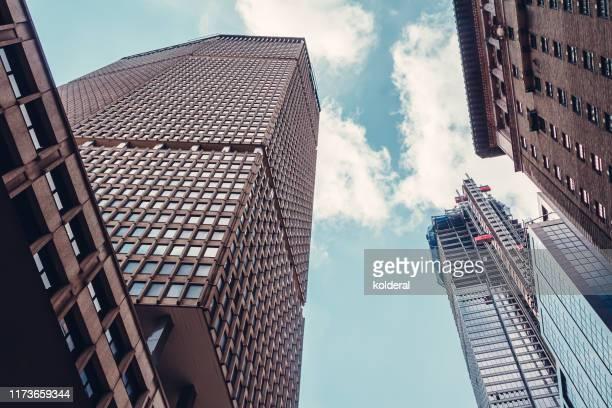 midtown manhattan skyline - 商業不動産 ストックフォトと画像