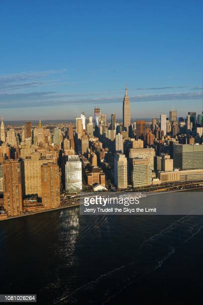 midtown manhattans east side - east stock pictures, royalty-free photos & images