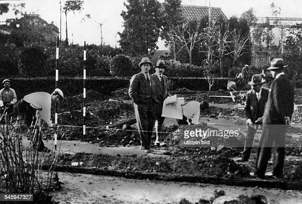 Mies van der Rohe Ludwig 18861969architect GermanyBuilding site of the Pavilion at Barcelona MvdR 1928/29