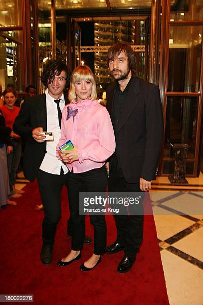 Mieze Mit Ihrer Band Mia Bei Der Internationalen Gala Art For Children Zugunsten Der Organisation Innocence And Danger Am 011006 Im Ritz Carlton In...