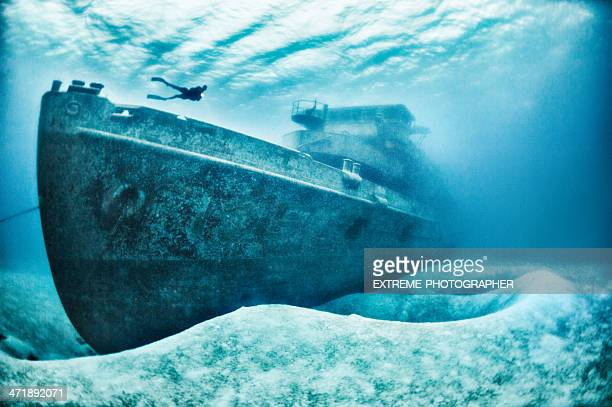 mighty vesssel - shipwreck stock pictures, royalty-free photos & images