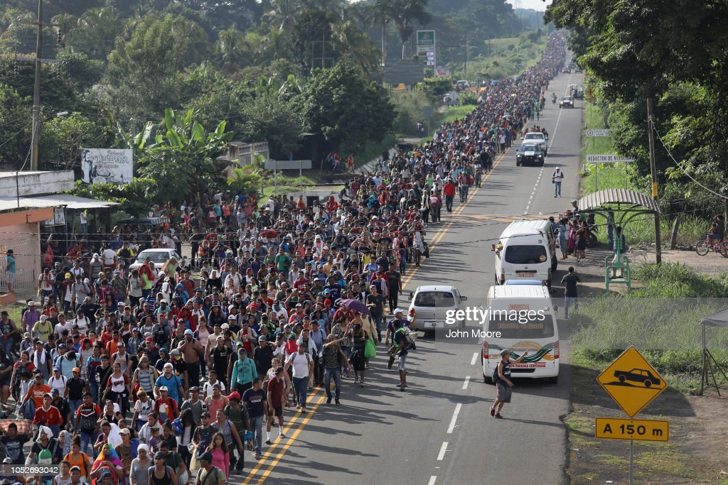 Migrant Caravan Crosses Into Mexico : News Photo