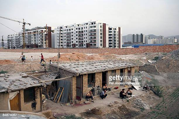 Migrant construction workers in Lanzhou.