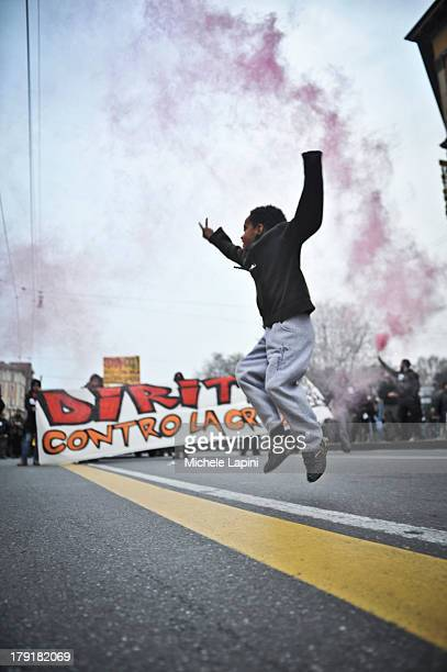 CONTENT] Migrant demonstration in Bologna against the BossiFini law