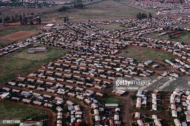 migrant hostels in soweto - soweto stock pictures, royalty-free photos & images