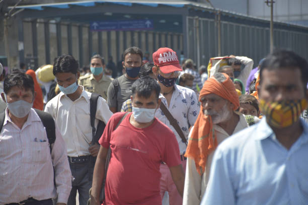IND: Fearing Lockdown, Migrant Workers Head For Their Native Places Amid Covid-19 Surge