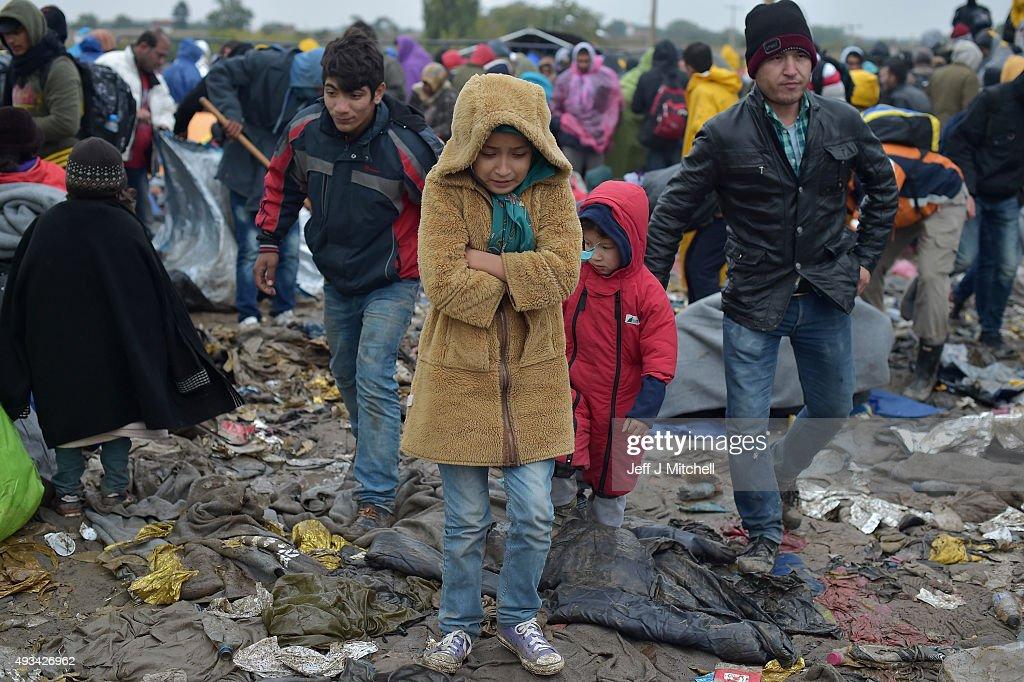 Worsening Weather Brings Misery For Migrants : Fotografía de noticias