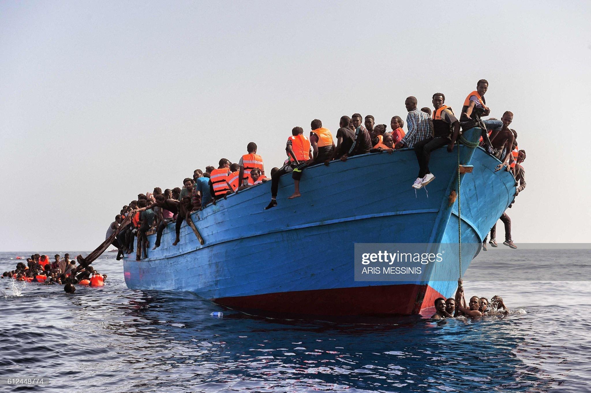 TOPSHOT-LIBYA-EUROPE-MIGRANTS : Foto di attualità