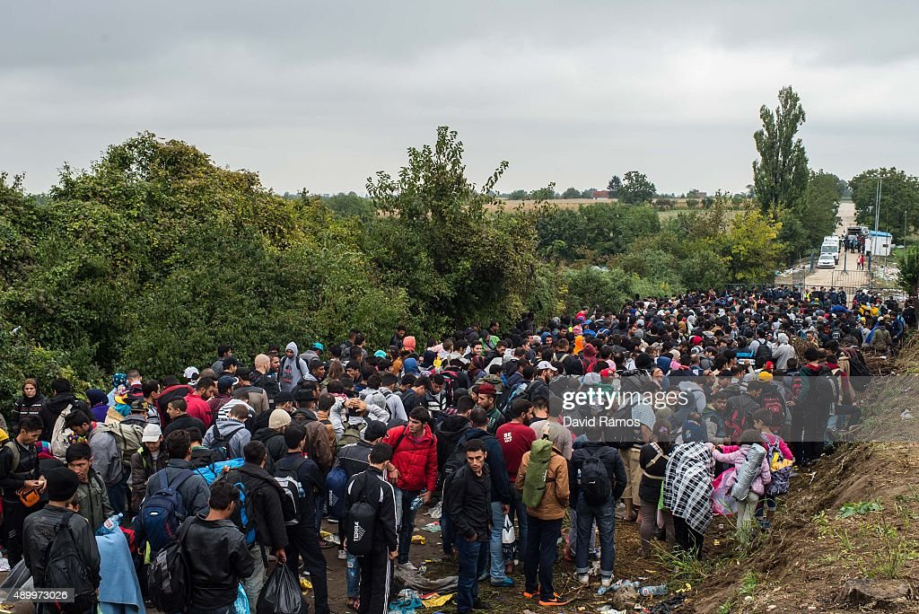Croatia Moves Migrants On Towards Hungarian Border : News Photo