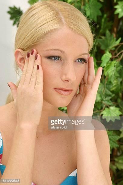 Migräne Kopfschmerzen Verspannung Stress