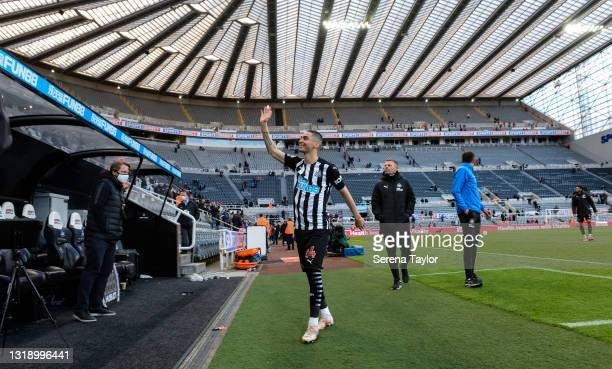 Miguel Almirón of Newcastle United FC waves to fans as he leaves the pitch during the Premier League match between Newcastle United and Sheffield...