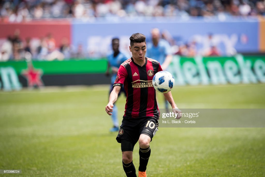 Miguel Almiron #10 of Atlanta United keeps his eyes on the ball during the match between New York City FC and Atlanta United FC at Yankee Stadium on June 09, 2018 in the Bronx borough of New York. The match ended in a tie score of 1 to 1.