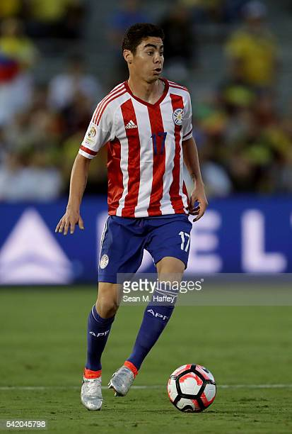 Miguel Almiron of Paraguay dribbles upfield during the 2016 Copa America Centenario Group A match between Colombia and Paraguay at Rose Bowl on June...