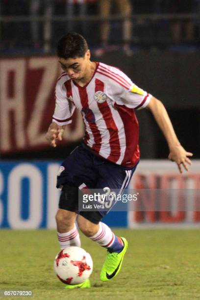 Miguel Almiron of Paraguay drives the ball during a match between Paraguay and Ecuador as part of FIFA 2018 World Cup Qualifiers at Defensores del...