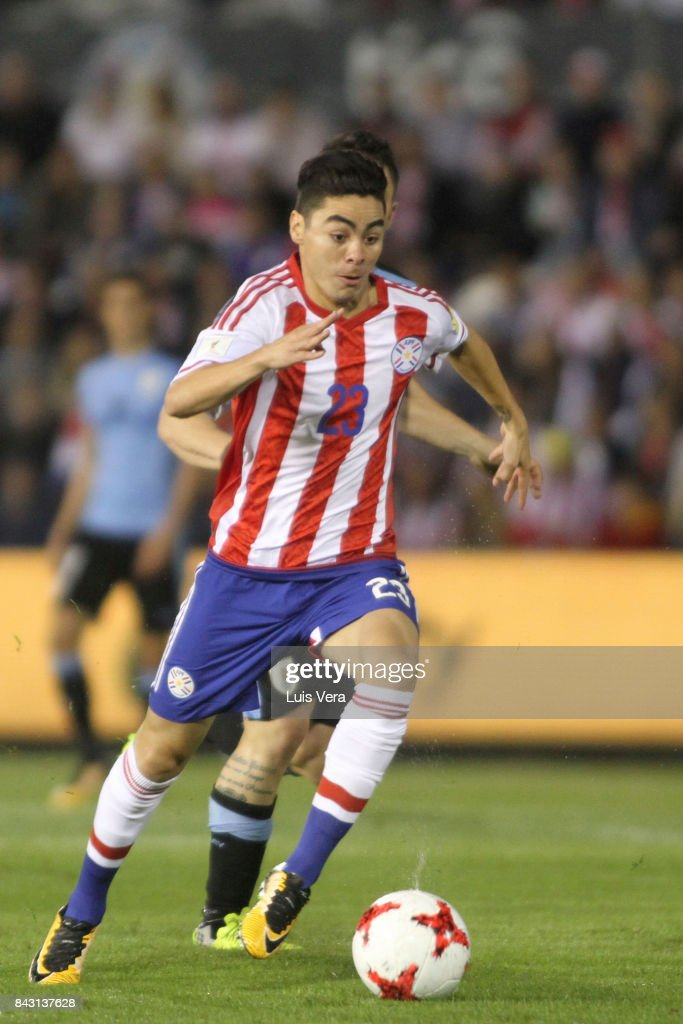 Miguel Almiron of Paraguay runs after the ball during a match between Paraguay and Uruguay as part of FIFA 2018 World Cup Qualifiers at Defensores del Chaco Stadium on September 05, 2017 in Asuncion, Paraguay.