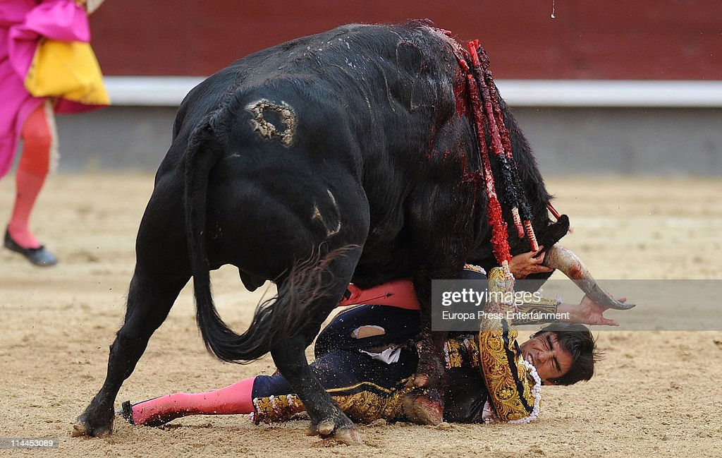Celebrities Attend Bullfight Season In Madrid - May 19, 2011