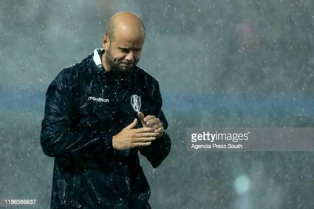 Miguel Angel Ramirez head coach of Independiente del Valle reacts during the final of Copa CONMEBOL Sudamericana 2019 between Colon and Independiente...