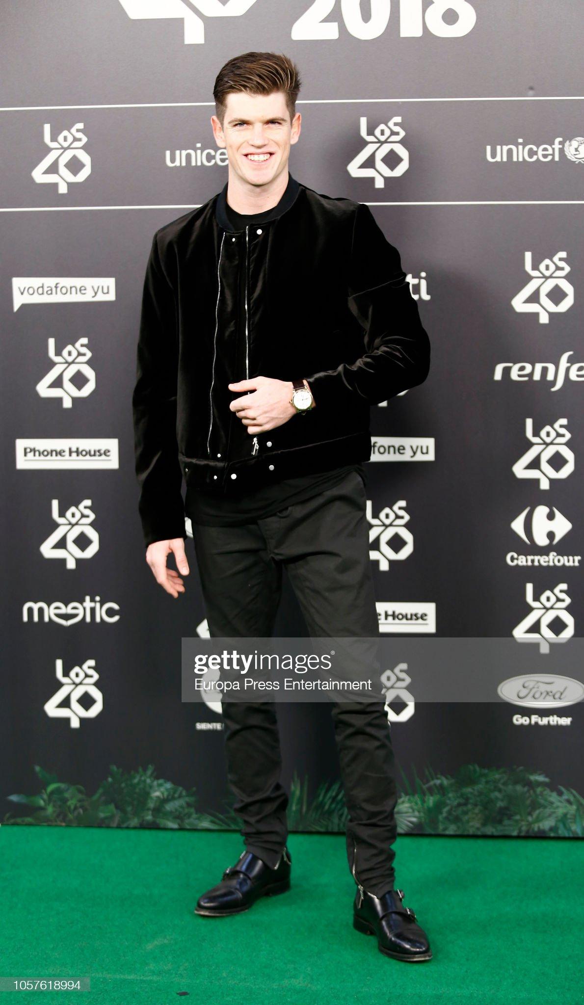 ¿Cuánto mide Miguel Bernardeau?  - Altura: 1,79 Miguel-bernardeau-attends-los40-music-awards-2018-at-wizink-center-on-picture-id1057618994?s=2048x2048