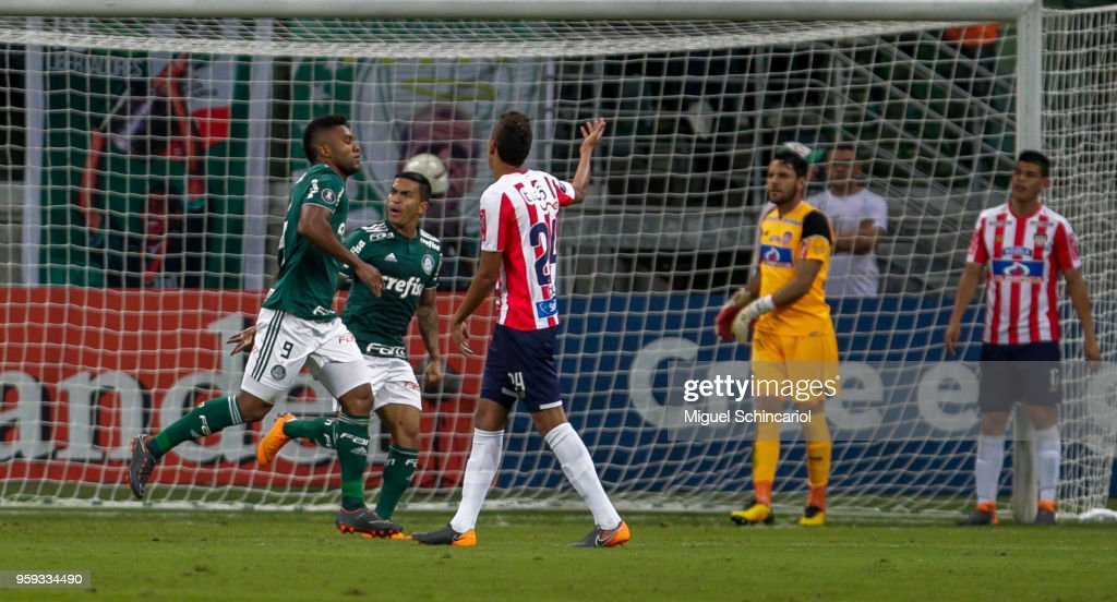 Miguel Borja (L) of Brazil's Palmeiras celebrates his goal during a match between Palmeiras and Junior Barranquilla for the Copa CONMEBOL Libertadores 2018 at Allianz Parque Stadium on May 16, 2018 in Sao Paulo, Brazil.