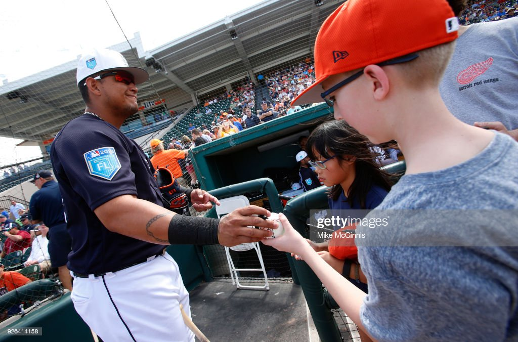 Miguel Cabrera #24 of the Detroit Tigers signs some autographs before the Spring Training game against the Miami Marlins at Joker Marchant Stadium on March 02, 2018 in Lakeland, Florida.