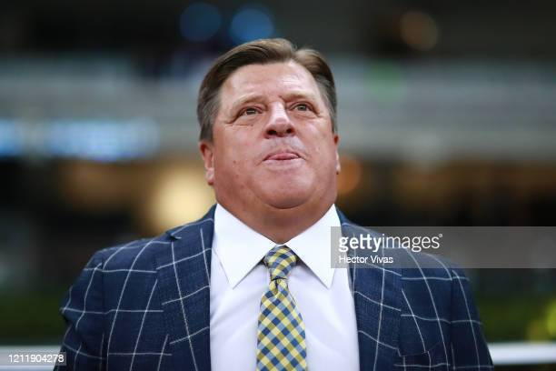 Miguel Herrera coach of America looks on during a quarter final first leg match between Club America and Atlanta United as part of CONCACAF Champions...
