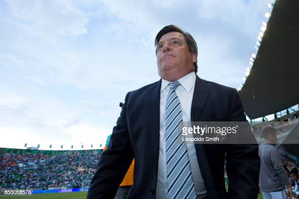 Miguel Herrera coach of America looks on during the 11th round match between Leon and Pachuca as part of the Torneo Apertura 2017 Liga MX at Leon...