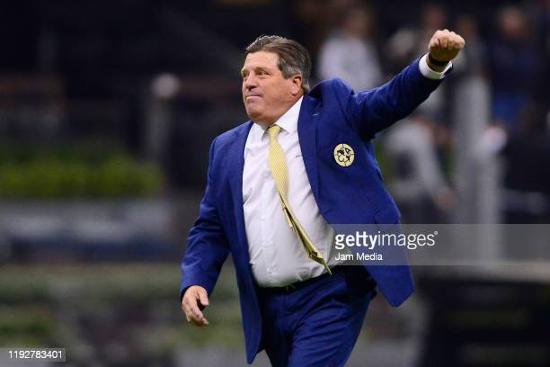 Miguel Herrera Head Coach of America celebrates after winning the Semifinals second leg match between America and Morelia as part of the Torneo...