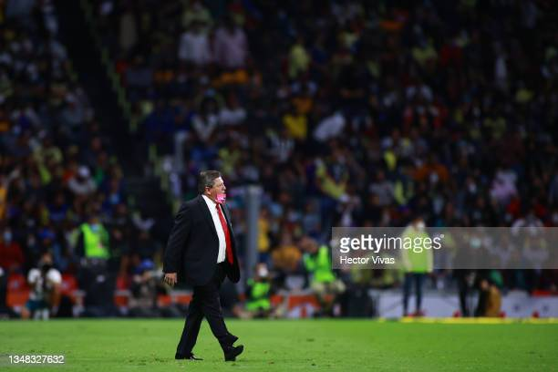 Miguel Herrera, head coach of Tigres looks on during the 15th round match between America and Tigres UANL as part of the Torneo Grita Mexico A21 Liga...