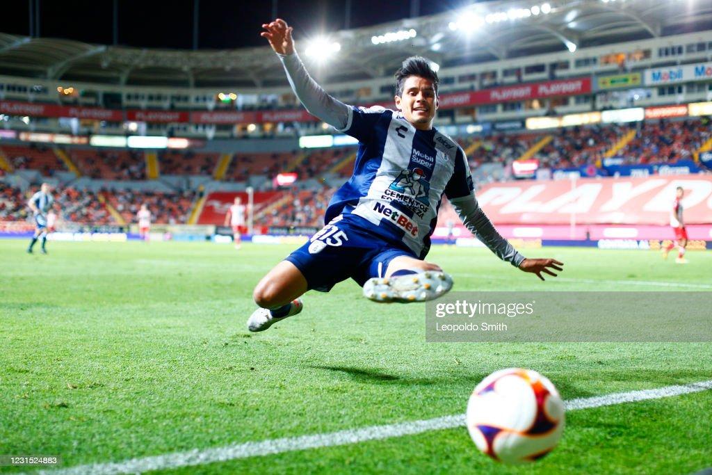 Necaxa v Pachuca - Torneo Guard1anes 2021 Liga MX : News Photo
