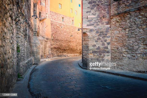 miguel hidalgo underground street, guanajuato, mexico - old town stock pictures, royalty-free photos & images