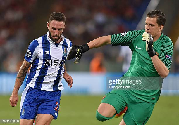 Miguel Layun of FC Porto scores the goal 02 during the UEFA Champions League qualifying playoffs match between FC Porto and AS Roma on August 23 2016...