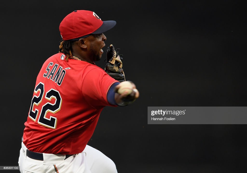 Miguel Sano #22 of the Minnesota Twins makes a play to get out A.J. Pollock #11 of the Arizona Diamondbacks at first base during the first inning of the game on August 18, 2017 at Target Field in Minneapolis, Minnesota.