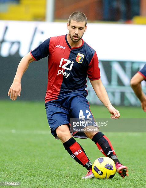 Miguel Veloso of Genoa CFC in action during the Serie A match between Genoa CFC and Juventus FC at Stadio Luigi Ferraris on November 21 2010 in Genoa...