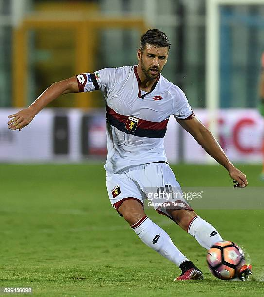Miguel Veloso of Genoa CFC in action during the Serie A match between FC Crotone and Genoa CFC at Adriatico Stadium on August 28 2016 in Pescara Italy